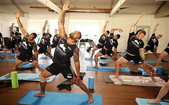 rugby-yoga_2729841b